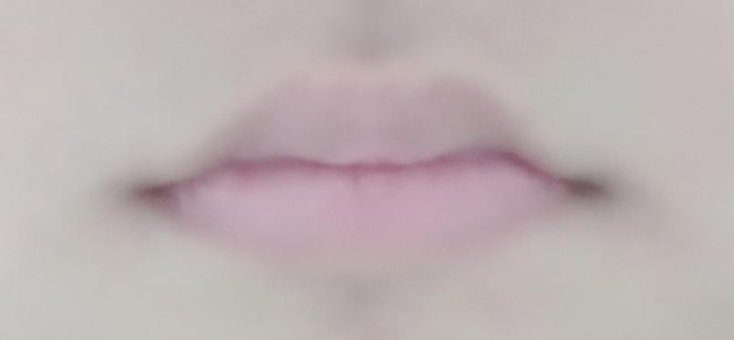 この唇ってハズレですよね。メイクしても唇のせいで変に見えちゃいます。どうやってリップを塗ったら綺麗な唇に見えますか?