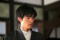 この俳優岡田健史になんとなく似ていると思いませんか?