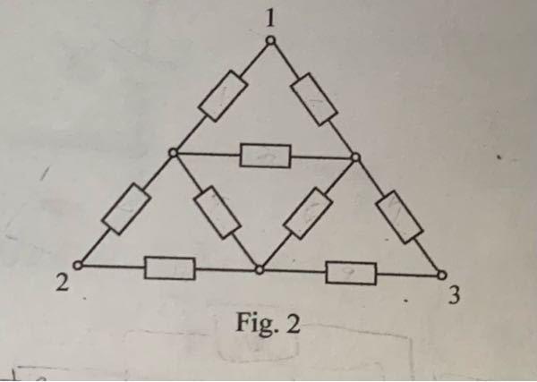 電気回路について質問です。 以下の端子1-2間の合成抵抗を求めよ。 という問題なのですが、解答を教えて頂きたいです。 抵抗は全てRとしています。 よろしくお願いします。