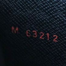 ルイヴィトンエピについてです! ブランドたくさん買ってる方、詳しい方、こちらのシリアルナンバーは本物ですか?教えていただきたいです。