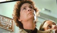この女性はターミネーター2でママ役の方ですか?名前なんですか?タイタニックに出てました。