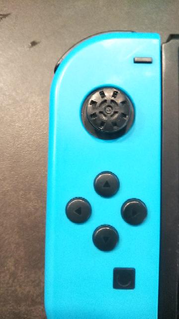 スイッチコントローラについて、教えて下さい。 十字キーのゴムが取れて紛失しました。 どこで購入できますか?