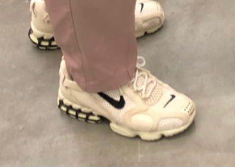 この靴の商品名わかる方いませんか?