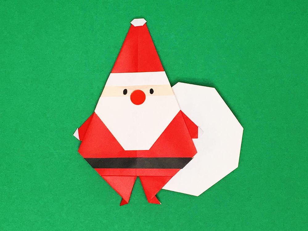 クリスマスには折り紙でサンタさんの飾りを作りますか??