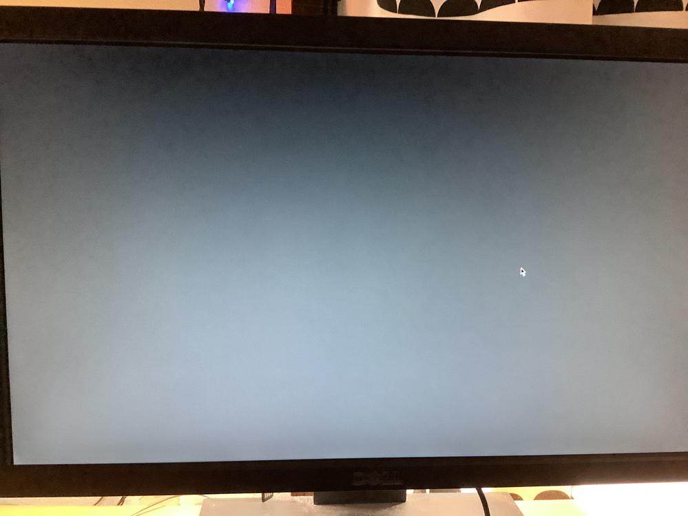 Ubuntuのリモートデスクトップについてです。 Ubuntuのリモートデスクトップがログインし直しても写真のような画面で止まって接続できません。 どうすれば良いでしょうか? 環境 Windows10のリモートデスクトップで接続 Ubuntuはawsで動かしています。