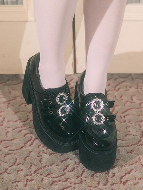 バブルスのこの靴を買おうかどうか迷ってるんですけど39のサイズで縦横の幅がいくつかどなか教えていただけませんか、、?