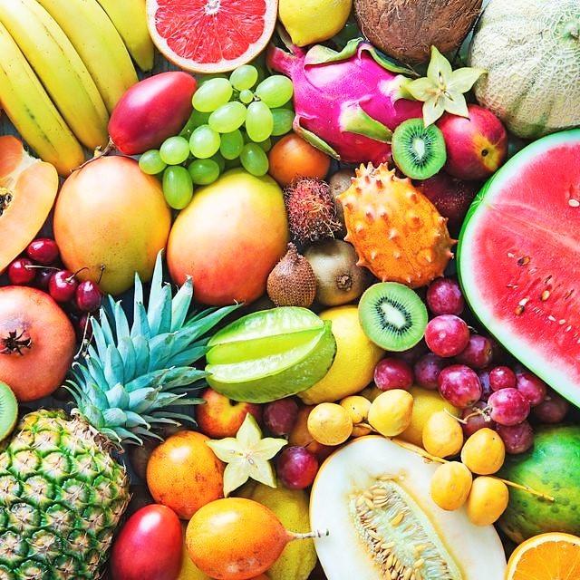 シニアの人は 果物をいつ (朝/昼/晩) 食べることが多いですか?