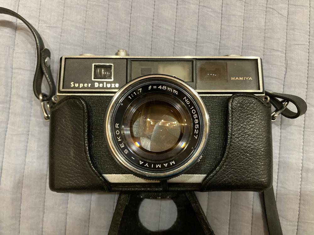 このカメラはいくらくらいで売れるか教えてください。