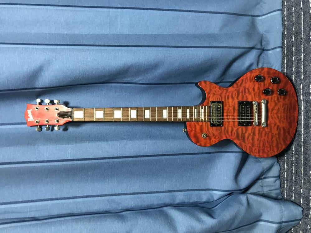 このBurnyのエレキギター、何年頃のもので、いくらぐらいのものかわかりますか?出来れば型番も知りたいです。