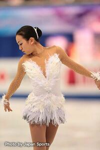 浅田真央さんは、現役時代はどのように呼ばれていましたか? たしか、氷上の◯◯と思いましたが......  下の画像を見て、当時の浅田真央さんをイメージすると、「氷上の◯◯」で、◯◯はなんでしょうか?