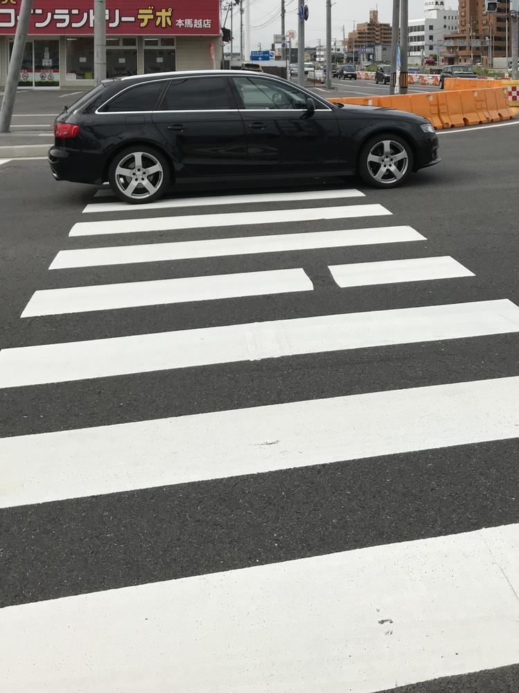 こんな、マナーの悪いドライバー許せません。 どうしたら良いですか?