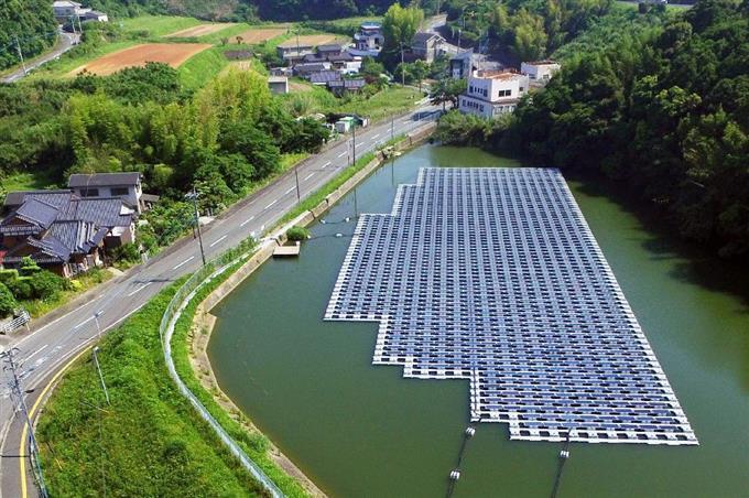 日本全国、ソーラーパネルだらけです。 全国いたるところ、屋根や山や池にまでソーラーパネルを見かけるのに、まだ電力が足りなくて原発が必要なんですか?