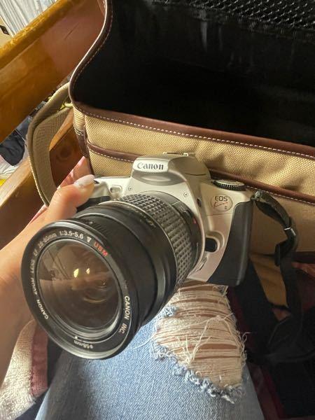 このカメラの型番知ってる方いませんか? 亡くなった祖父から貰ったものなのですが、調べたくてもわからなくて。