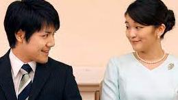 「小室問題に関して思いました。」 内親王と結婚して持参金1億5千万円を手に入れると日本中から非難されていますが、ひょっとしたらこの持参金制度をおかしいと思っていた小室圭さんがあえて汚名を被って日本政府・国民に考えさせようとしている可能性はありませんか? 皇族と結婚できるとしたら既にそれなりの収入はあるでしょう、ですからこの持参金制度を廃止させる為に小室さんは自ら悪役に徹しているのではないでしょうか? そもそも小室さん程の容姿知能があればあの内親王とは交際しないでしょう。
