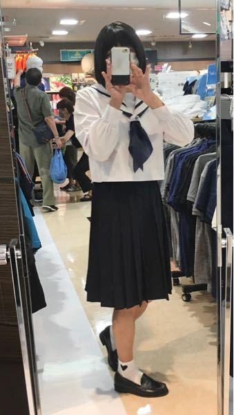 本日はセーラー服でお散歩中です。 白のセーラー服はなんか緊張しますね(^^) jkに混じってのお散歩はさらに緊張です。(*^▽^*) jkに見えますか? 女装です。