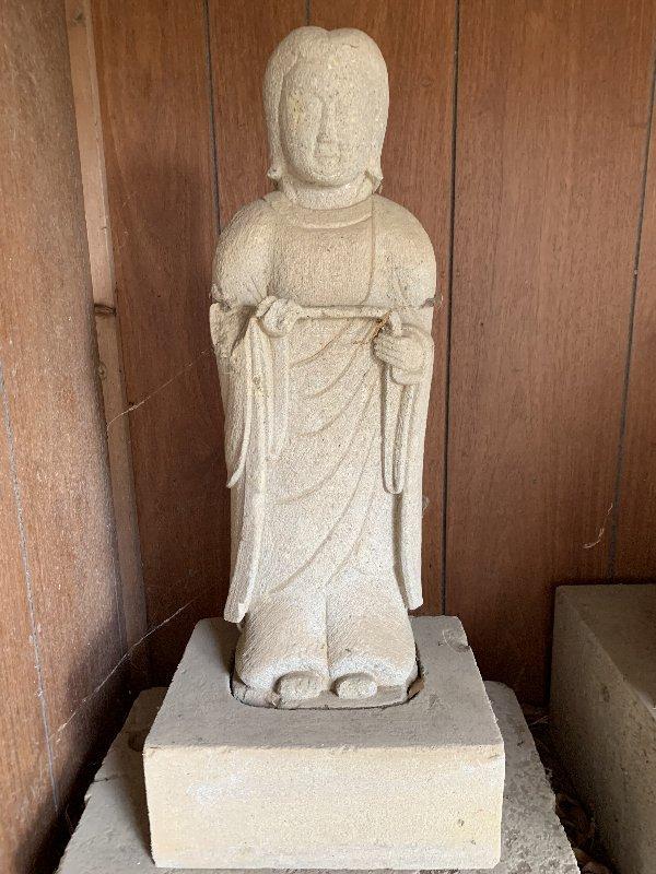 この仏像の名前を教えてください。 よろしくお願いします。