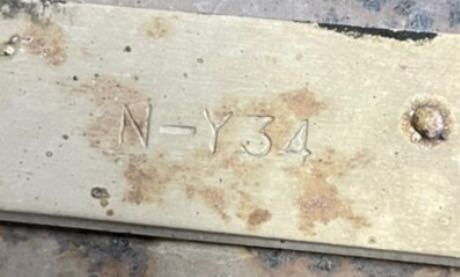 打刻品番がN-Y34 なんですけど、HY34 の、セドリックに装着できますかね?ちなみにNY34は、4駆らしいです。回答よろしくお願いします