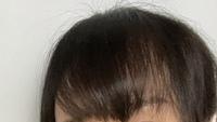 画像のように、前髪が()って形になります。原因と解決策がわかる方教えてください…