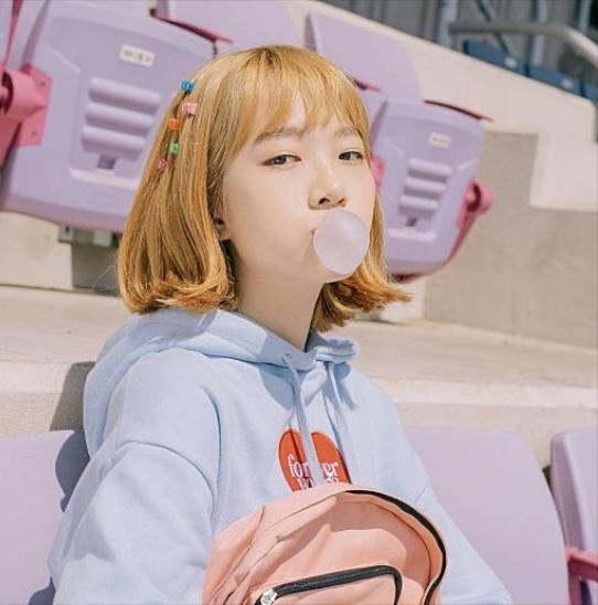 この画像の子は韓国ドラマVLIVEで放送していたふっくらした恋愛の少女注意報の子なんですが少女注意報の誰ですか?ONFのprettyのジャケットです!