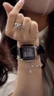 この時計のブランド等、 わかる方いらっしゃいますか?