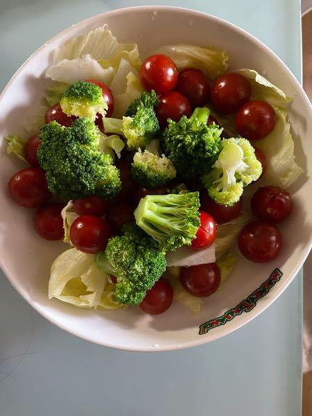 ダイエットしたくて朝から野菜を食べようと思いました 野菜だからとていっぱい食べるのは 太るでしょうか量はこのくらいです