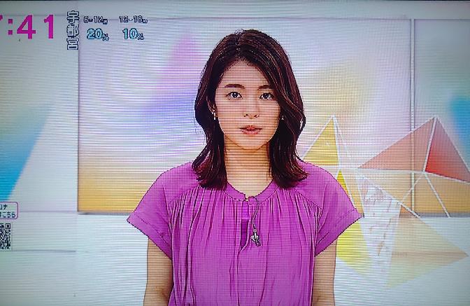川崎理加アナの紫のトップス、あじさいの6月にふさわしいですか。