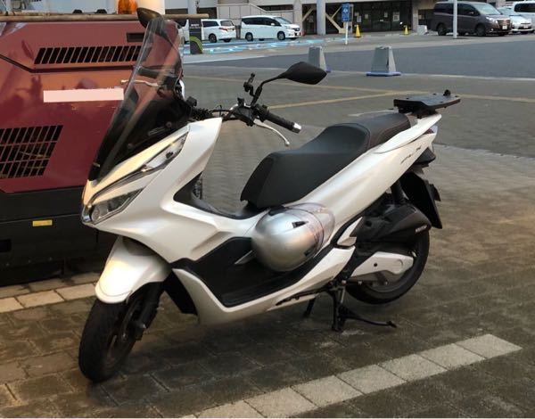このバイクの車種の名前やメーカーなどわかる人いませんか?