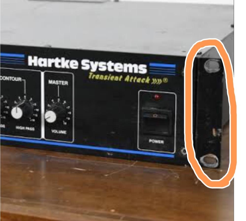 ベースのヘッドアンプについて質問です。 この部分ってなんて検索すれば探せますか? お願いします。