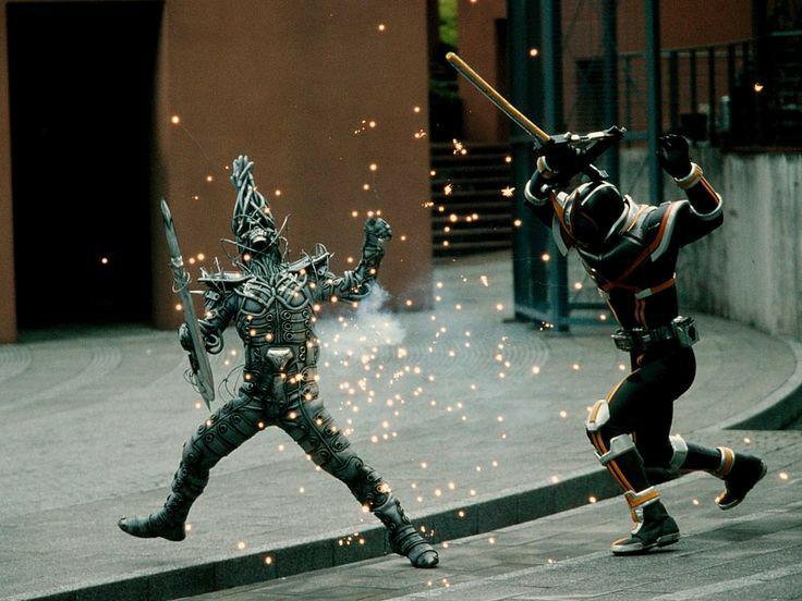 仮面ライダーカイザ、暴力的だよね?戦い方に優しさが微塵もないよね?容赦ないよね?