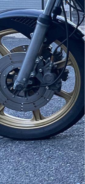 apレーシングのキャリパーをつけてます。 フルード交換のやり方を知りたいです。 車種Kawasaki Z1