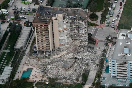 マイアミのマンションはどうしてこのような崩落となったのですか。
