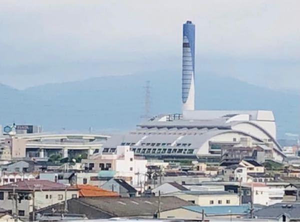 【至急】 この建物がなんなのかわかる方、教えて頂きたいです。大阪にあり、阪神高速道路の近くで大和川の南側にあるらしいのですが、どうしても分かりません。回答よろしくお願い致します。