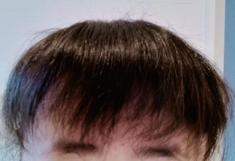 前髪1センチぐらい切ってください。って言ってたらこうなりました。 眉毛は気にしないでください 失敗ですよね?すいかれすぎですよね?