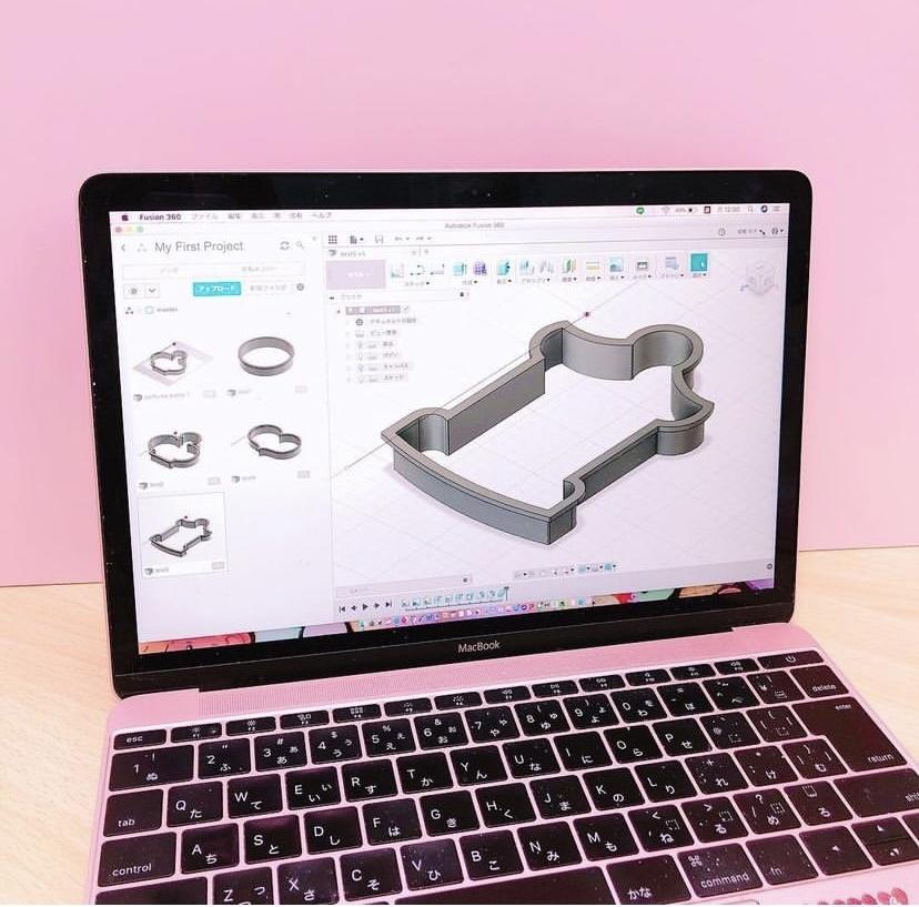 これは多分クッキー型を3Dプリンターで作るときのデータなのですが、なんのソフト使っているかわかりますか?