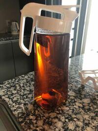 よくある水出しのお茶ってどう作るの? 麦茶とか緑茶とか、、 うちはルイボスなのですが、煮出しじゃなくて水出しの場合、みなさんペットボトルとかのミネラルウォーターでつくりますか? 水道水はちょっとなぁと思いますよね?  今まで衛生的に煮出しでしたがめんどくさくて、蛇口についてる浄水器の水で作ろうと思いますが、何も問題ないですよね?