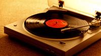 歌詞に「レコード」が入っている曲を教えて下さい。