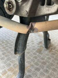 原付のマフラーの部分が壊れてしまいました。 修理費いくら位掛かりますか?