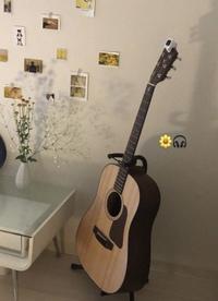 初心者で全くわからないのですが このギターについて教えてください!