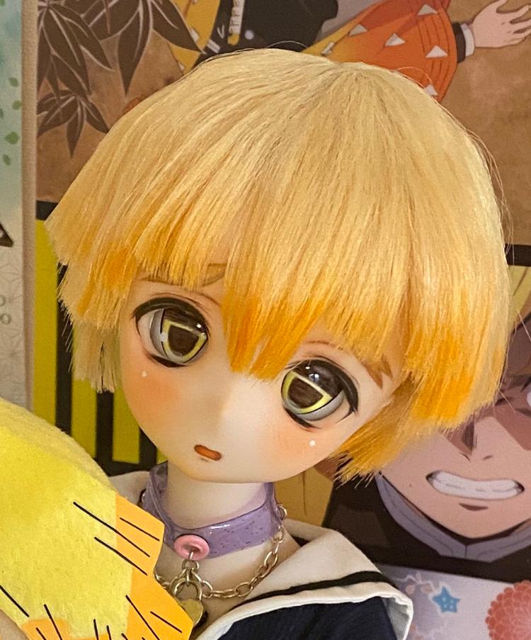 こんな感じのお顔をしてるドール人形が欲しいんですがどのメーカーなんでしょうか?(もしかしてこの方の自作の人形だったりするんでしょうか…?)