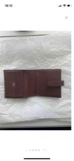 写真の様なタイプのエルメスのお財布はありますか?