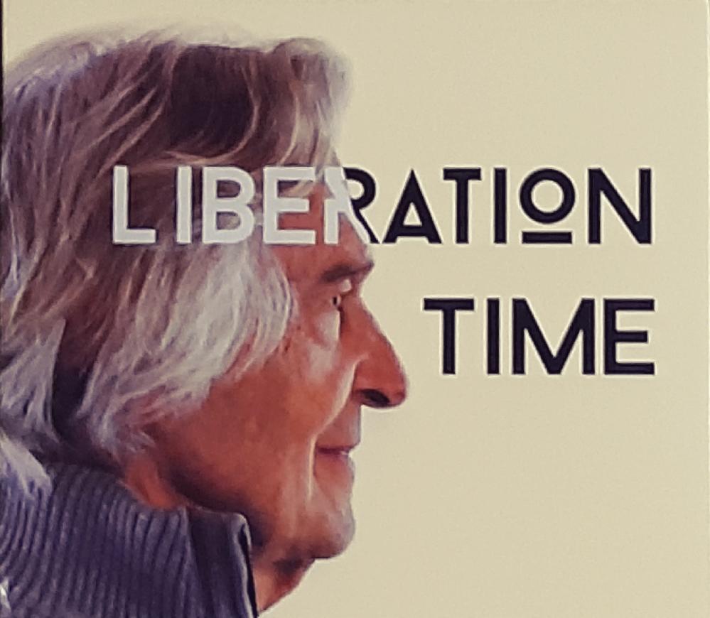 ジョン・マクラフリンの新作「Liberation Time」を聴いたのですが、相変わらずのテクに感服しました。 来年の1月には傘寿になろうかという高齢でありながら、全く衰え知らずで、その上ピアノ迄披露しています。ジャズ・カテの皆さんは「Liberation Time」を聴かれて、どのような感想を持ちましたでしょうか?また嘗てマクラフリン並みの高齢(79歳)で、スーパー・ギタリストぶりを発揮しアルバムをリリースしたミュージシャンて、存在しましたでしょうか?