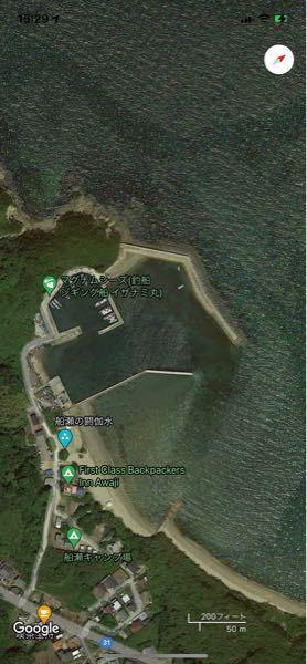 FBI淡路キャンプ場の横の船瀬漁港の水深は平均どれくらいですか??また、外洋に面している防波堤にて、ジギングで青物を狙うことは可能ですか??