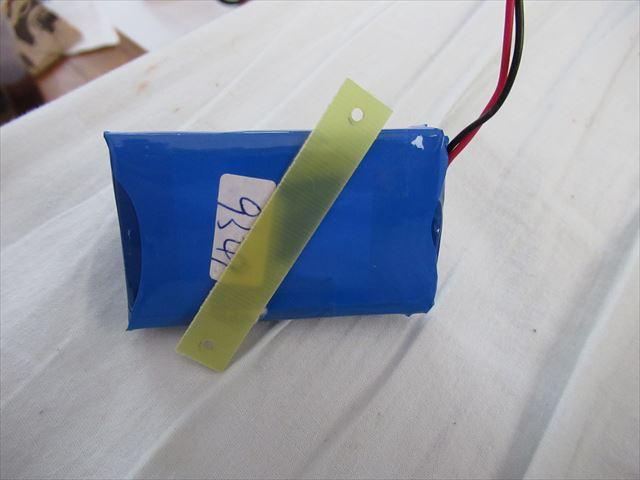 ヤーマン キャビスパ 充電池 何処か売っていますか? 簡単に分解できたのですが、自分で交換したい。 9Vのリチュームパック