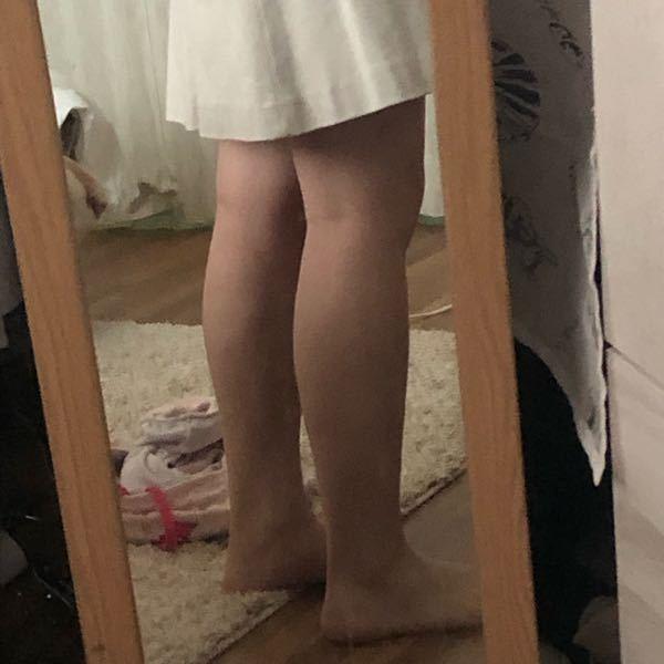 最近ふくらはぎが張りすぎて痛いです。。 浮腫がすごくなったと思いますが どうしたら綺麗なふくらはぎになるでしょうか。。 短足でつらいです。