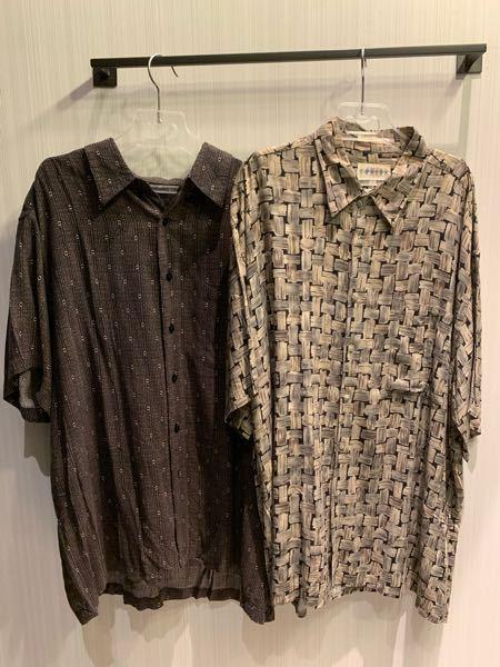 この写真の左の服とカーキーのパンツってあいますかね?