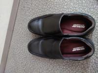 革靴で画像の靴みたいに紐の無い革靴って特別名前はありますか?ローファーではありません、底は結構ぶ厚めです。
