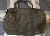 会社見学に行く時先生にビジネスバッグで行くように言われたんですが持ってなかったので写真のバッグで行こうと思うのですが大丈夫でしょうか?