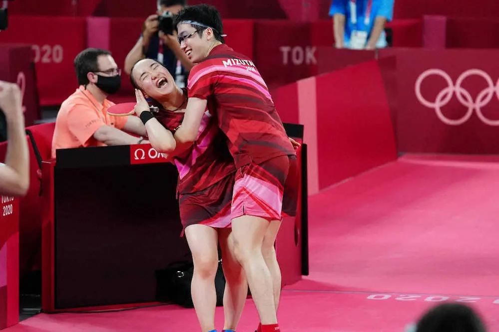 菅義偉と野党が綱引きして 東京オリンピック開催をあいまいにしていたので 中国は 開催できないと思って油断して日本に卓球金メダルを許しました いかがどすか