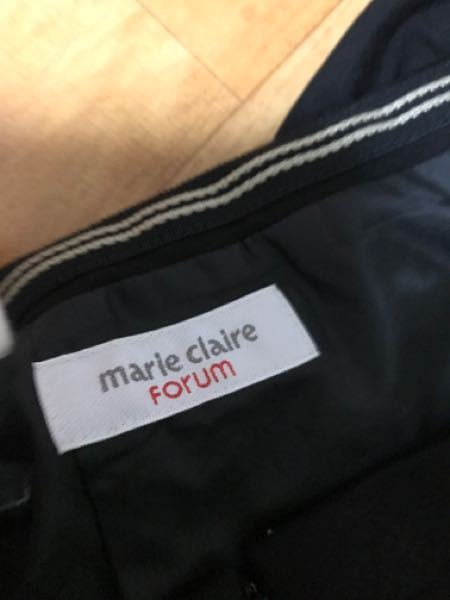 スカートのウエスト部のずれないようにするゴム留を 他のスカートにもつけたいのですが、これの名称を 教えて下さい。 白いゴムがついてるテープみたいなリボン状の布です。
