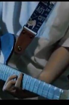 このギターストラップはなんてやつですか? わかる方お願いします。